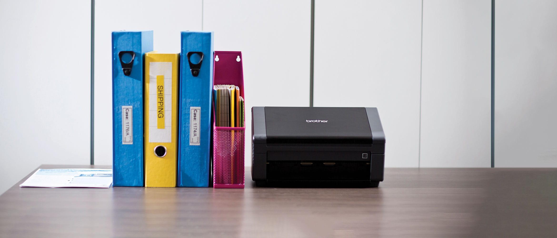 Brother PDS-5000 dokumentu skeneris uz galda