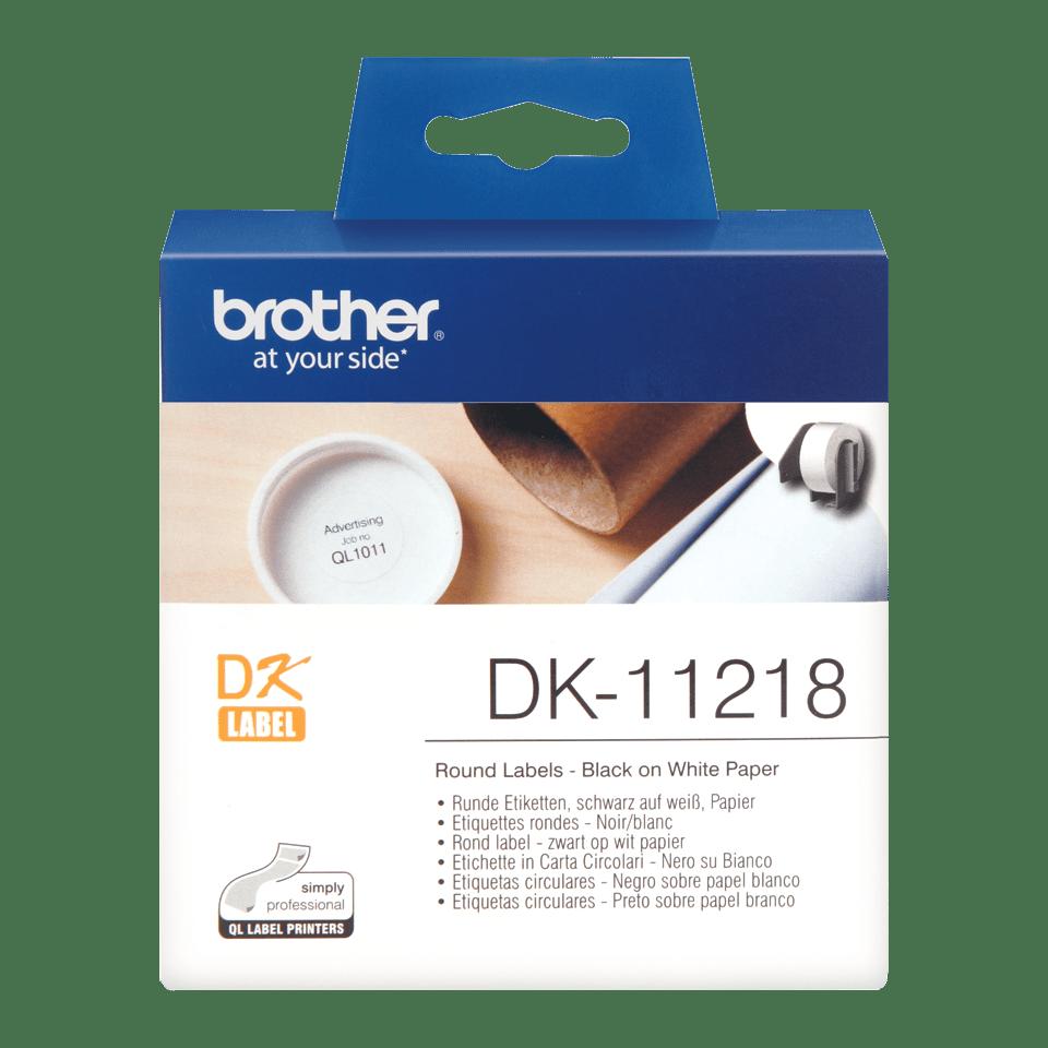 Oriģināls Brother DK-11218 melnas drukas balts marķēšanas lentes rullis Ø 24mm