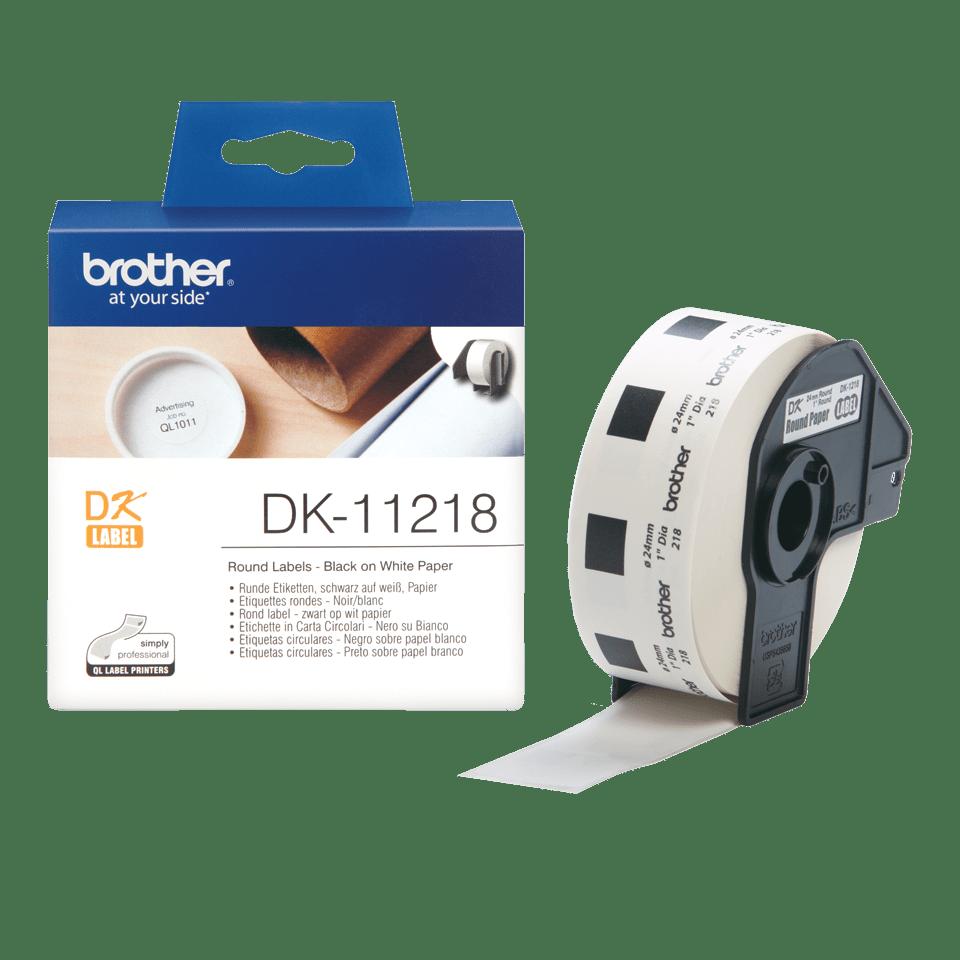 Oriģināls Brother DK-11218 melnas drukas balts marķēšanas lentes rullis Ø 24mm 3
