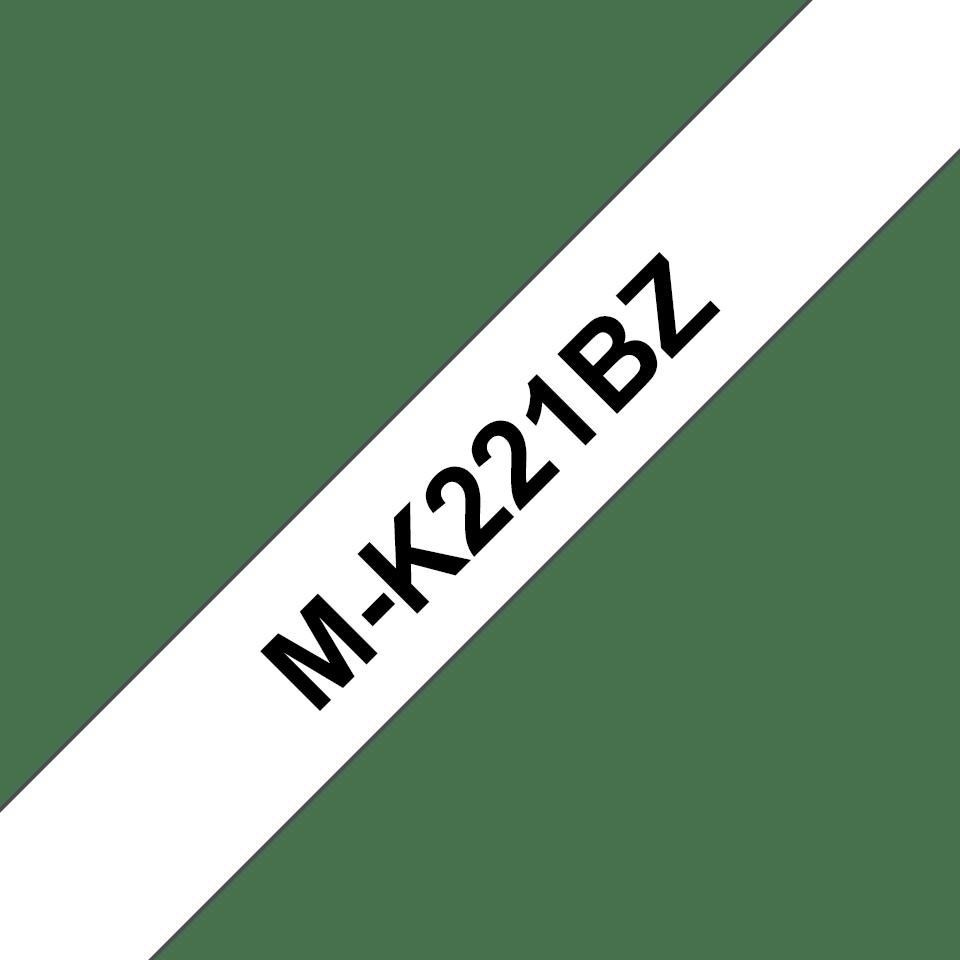 Oriģināla Brother M-K221BZ uzlīmju lentas kasete – melnas drukas, balta, 9mm plata