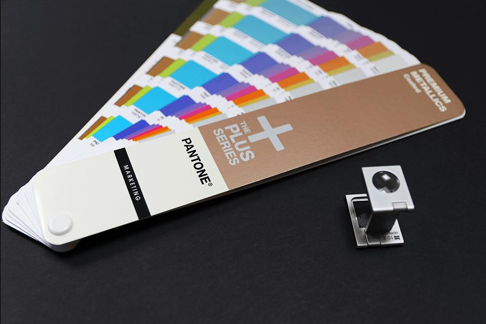 Oriģinālā Brother TZe315 baltas drukas melna uzlīmju lentes kasete, 6mm plata 4