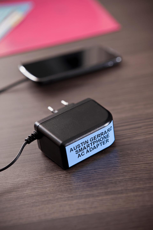 Oriģinālā Brother TZe541 melnas drukas zila uzlīmju lentes kasete, 18mm plata 4