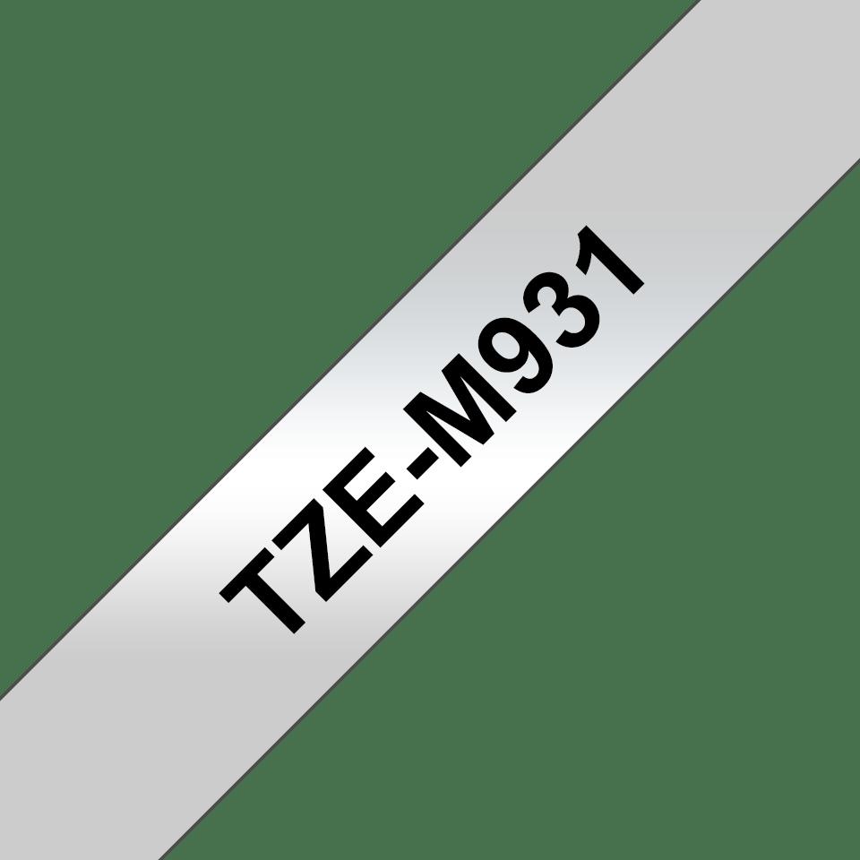 Oriģināla Brother TZe-M931 uzlīmju lentas kasete – melnas druka, matēta, sudraba, 12mm plata 3